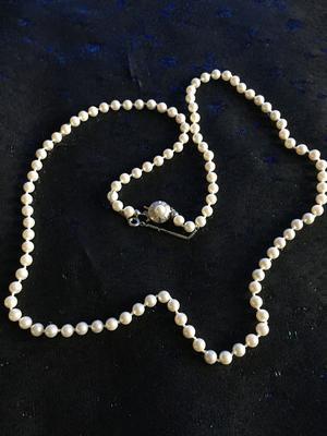 Halsband med Mallorca pärlor i mycket hög kvalitet. 70 cm