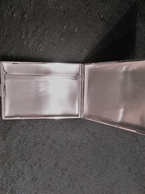 Cigarettetui i snygg design från -50 talet.  Äkta silver