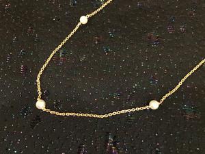 Halsband.18karat guld med äkta odlade pärlor. -50talet.42cm.